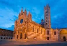 красивейший собор вытравил панель инкрустированную полом Италии мраморную siena европы Стоковое фото RF