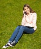 красивейший телефон девушки Стоковое Фото