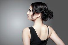 красивейший тип состава волос девушки способа брюнет Стоковое фото RF