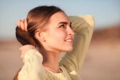 красивейший усмехаться девушки Стоковое Изображение