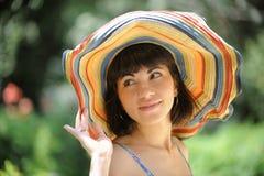 красивейший усмехаться шлема девушки Стоковое Изображение RF