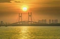 красивейший цветастый заход солнца Стоковое Изображение RF