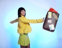 красивейший чемодан брюнет Стоковая Фотография RF