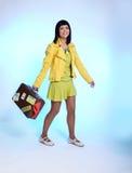 красивейший чемодан брюнет Стоковые Фото