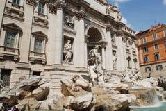 красивейший trevi roma ночи фонтана Стоковые Изображения