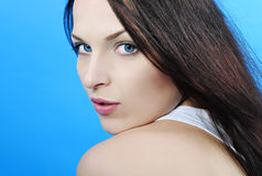 Красивое брюнет девушки с длинними волосами Стоковые Изображения RF