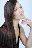 Красивое брюнет девушки с длинними волосами Стоковая Фотография