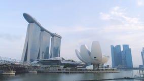 Красивое взгляд сверху известного залива Марины Сингапура зашкурит гостиницу съемка 3 башни гостиницы высоты и бассейн на стоковые изображения