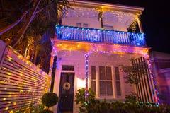Красивое внешнее decocation дома дисплея светов рождества Стоковая Фотография RF