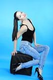 Красивое грациозно брюнет девушки с длинними волосами Стоковая Фотография