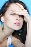 Красивое грациозно брюнет девушки с длинними волосами Стоковое фото RF