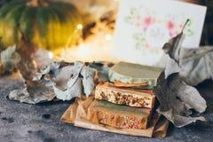 Красивое естественное handmade мыло ремесла для вашего здоровья, ослабляет и ароматерапия стоковое изображение