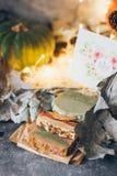 Красивое естественное handmade мыло ремесла для вашего здоровья, ослабляет и ароматерапия стоковая фотография