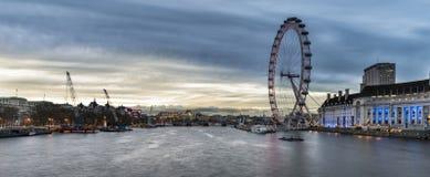 Красивое изображение ландшафта горизонта Лондона осмотренное от Westmins Стоковая Фотография