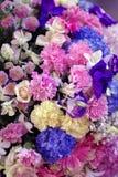 Красивое красочное украшение цветка для формы белого ca wedding и сердца Стоковые Фото