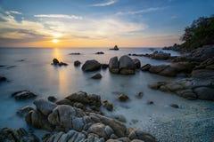 Красивое море восхода солнца Таиланда Стоковая Фотография