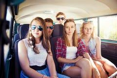 Красивое молодые люди a на поездке Стоковое Изображение RF