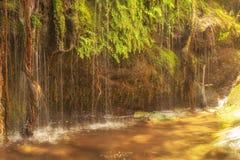 Красивое назначение лета на водопадах Pithara в острове Andros стоковое изображение