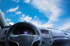 Красивое небо от салона автомобиля Стоковое Фото