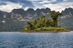Красивое небо реки озера гор и естественные привлекательности на Kh Стоковые Изображения