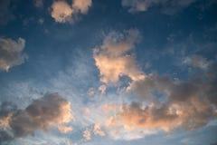 Красивое облако над голубым небом Стоковое фото RF