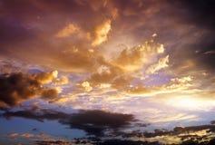 Красивое облачное небо. Пасмурная абстрактная предпосылка. Стоковое Изображение RF