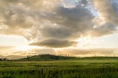 Красивое облачное небо только перед штормом Стоковые Фото