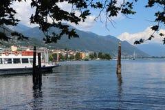 Красивое озеро в Локарне Швейцарии стоковое изображение rf