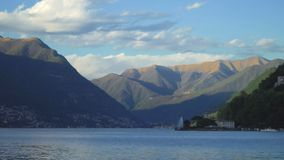 Красивое озеро Como лета сток-видео