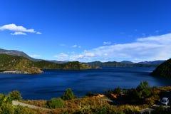 Красивое озеро Lugu Стоковое Изображение RF