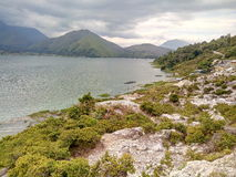 Красивое озеро Toba, в otherside Стоковое Изображение RF