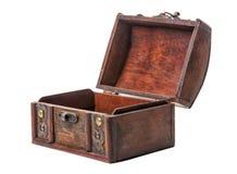 Красивое раскрытое винтажное деревянное сокровище комода изолированное на белизне Стоковая Фотография