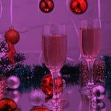 Красивое рождество, предпосылка рождества: Рождественская елка, света, снежинки шампанского Стоковое Изображение RF
