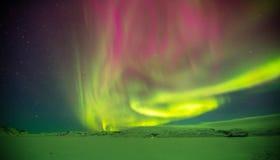 Красивое северное сияние в Исландии, съемке в предыдущем perio зимы Стоковое Фото