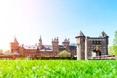 Красивое средневековое, фантазия, старый замок Голландии De Haar на s стоковое фото