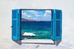 Красивое Средиземное море сини ветрила плавания парусника Стоковая Фотография