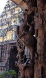 красивое старое каменное sculpure штендера залы виска Стоковая Фотография RF