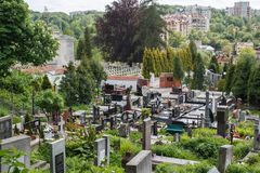 Красивое старое кладбище в Львове Кладбище Lychakiv стоковое изображение