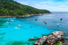Красивое тропическое море и голубое небо острова Similan, Phang Nga Стоковые Изображения RF