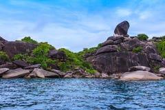 Красивое тропическое море и голубое небо острова Similan, Phang Nga Стоковые Фотографии RF