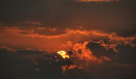 Красивое фото захода солнца стоковое изображение rf