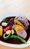 Красивое японское карри с овощами гриля с рисом o кабанины стоковое изображение rf