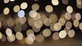 Красивое bokeh в ночи Белое bokeh светов faity сток-видео