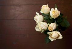 Красивое bouqet бледных роз с космосом для текста стоковая фотография rf