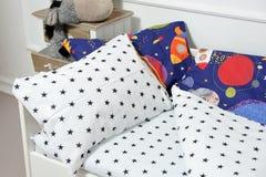 Красивое children& x27; кровать s, другие цвета Стоковые Фотографии RF
