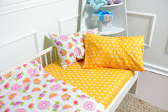 Красивое children& x27; кровать s, другие цвета Стоковые Фото