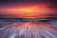 Красивое cloudscape над морем, съемка восхода солнца Стоковое Изображение RF