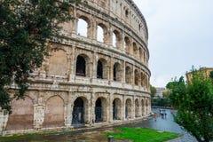 Красивое Colisseum - впечатляющее Colosseum Рима стоковые изображения rf