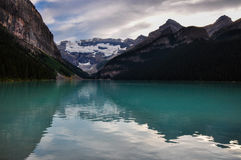 Красивое Lake Louise во всех очищенность, Альберта, Канада Стоковые Фото