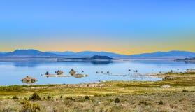 Красивое Mono озеро стоковые изображения